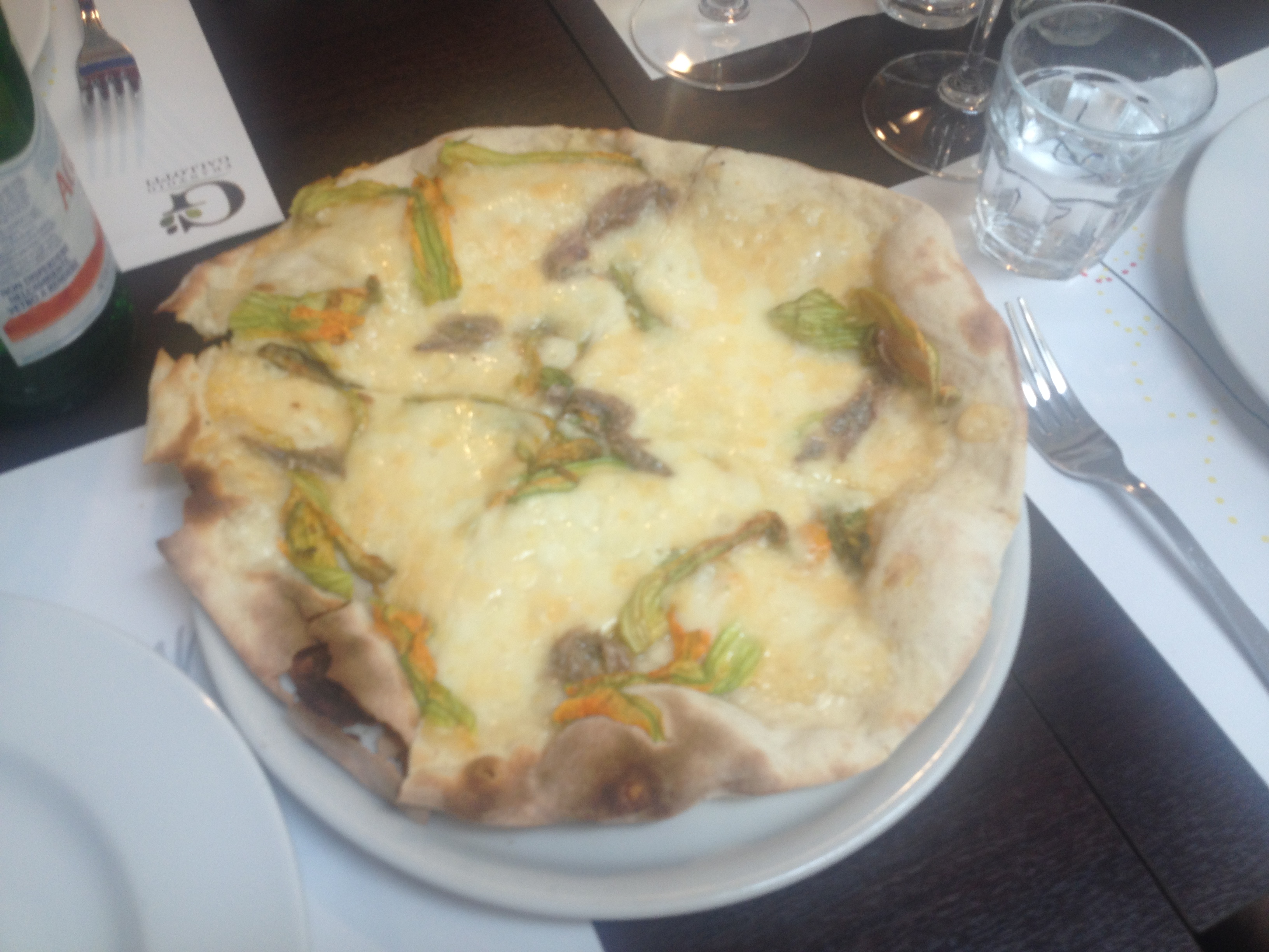 Pizza with zucchini flower, porcini & mozarella-2