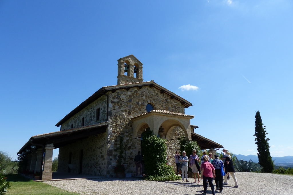 P0418 - Lunch in former church at Barbi winery