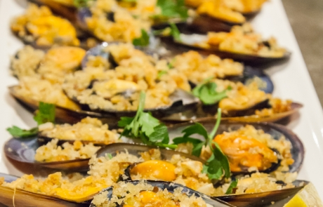 Mussels with Garlic Crumbs, Parsley, Olive Oil - photographer Immacolata D'Amico (2)